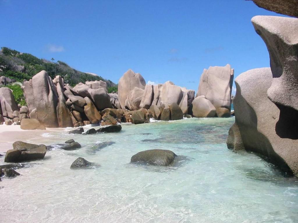 Seychelles La Digue 1024x768 Las 16 islas más hermosas del mundo